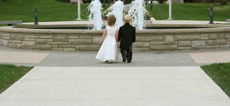Bambini 2 di cerimonia nuziale fotografie stock libere da diritti
