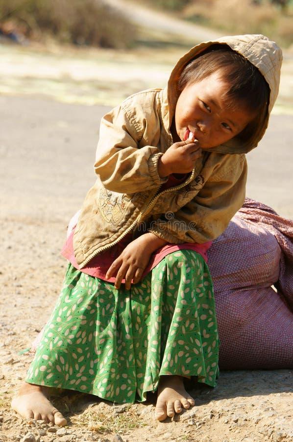 Bambini asiatici, povero, bambino vietnamita sporco fotografia stock libera da diritti