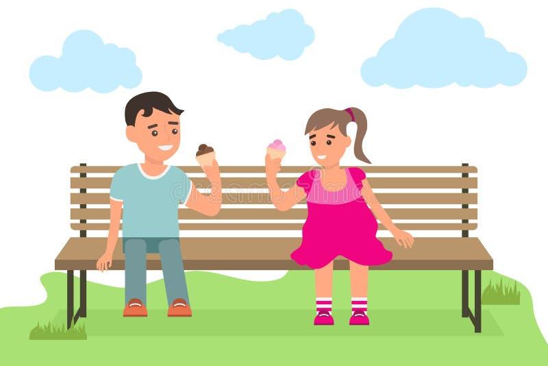 Bambini che mangiano il gelato in un parco Un ragazzo e una ragazza stanno sedendo su un banco nel parco royalty illustrazione gratis
