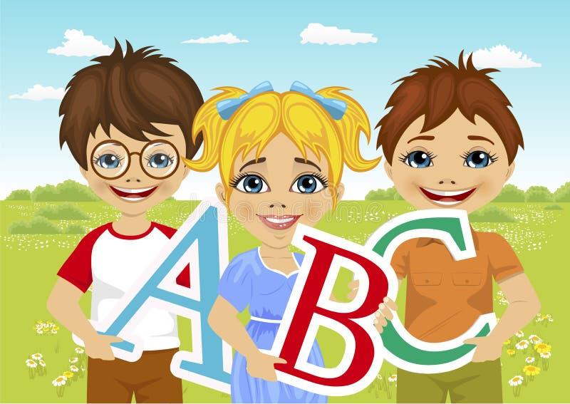 Bambini che tengono le lettere di ABC nel giacimento di fiore illustrazione di stock