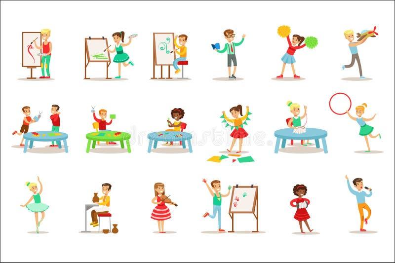 Bambini creativi che praticano le arti ed i mestieri differenti nell'insieme di Art Class And By Themselves dei bambini e della c illustrazione vettoriale