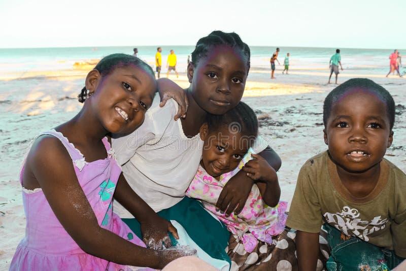 Bambini del villaggio di Jambiani fotografia stock