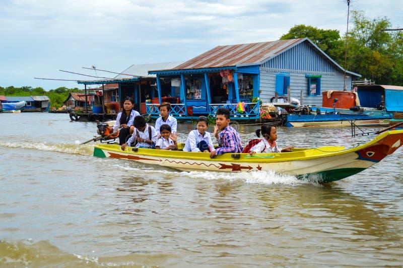 Bambini della scuola del Mekong fotografia stock libera da diritti