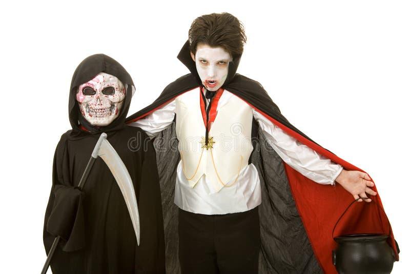 Bambini di Halloween - vampiro e Reaper fotografia stock libera da diritti