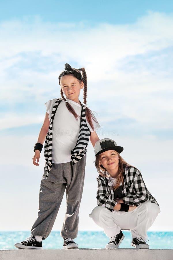 Bambini di modo Priorità bassa del cielo fotografia stock libera da diritti
