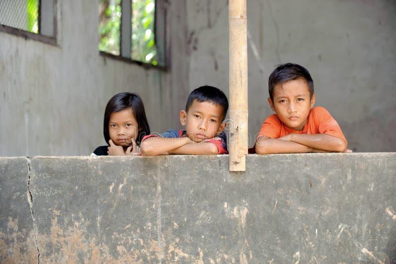 Bambini di povertà fotografie stock