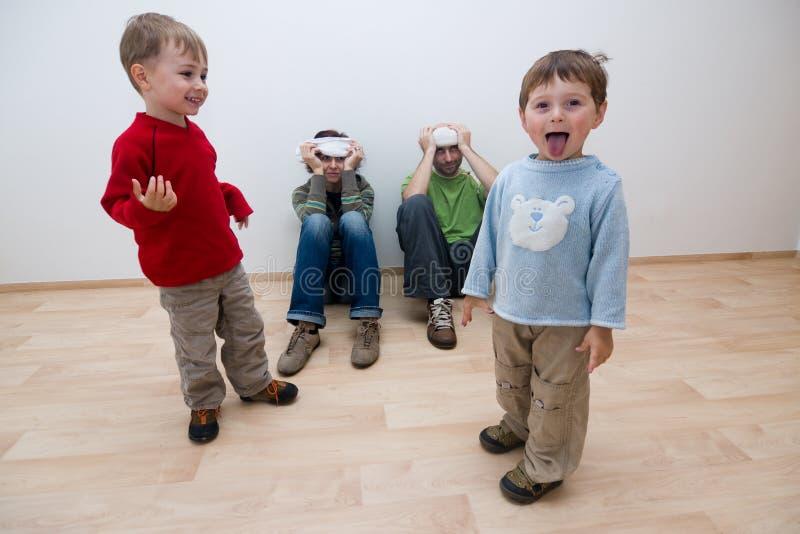 Bambini e genitori fotografie stock