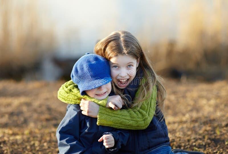 Bambini felici di stile di vita immagini stock