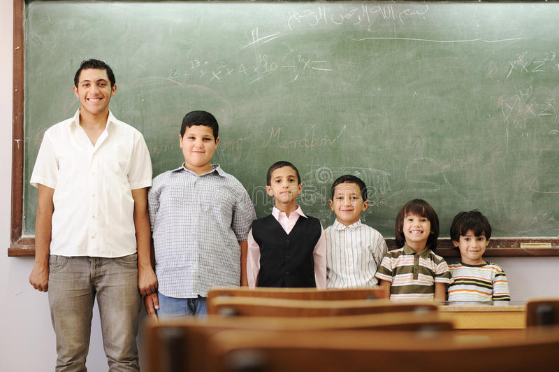 Bambini a scuola, dall'asilo, addestramento preliminare fotografia stock libera da diritti
