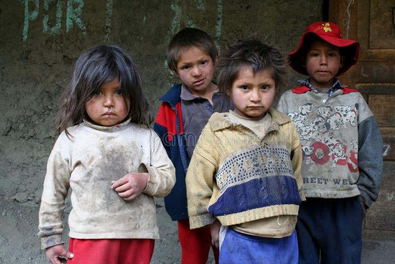 Bambini senza casa della via immagini stock