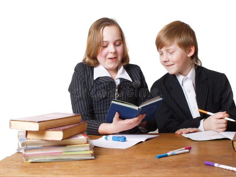 Download Bambini sulla tabella fotografia stock. Immagine di carefree - 7315184