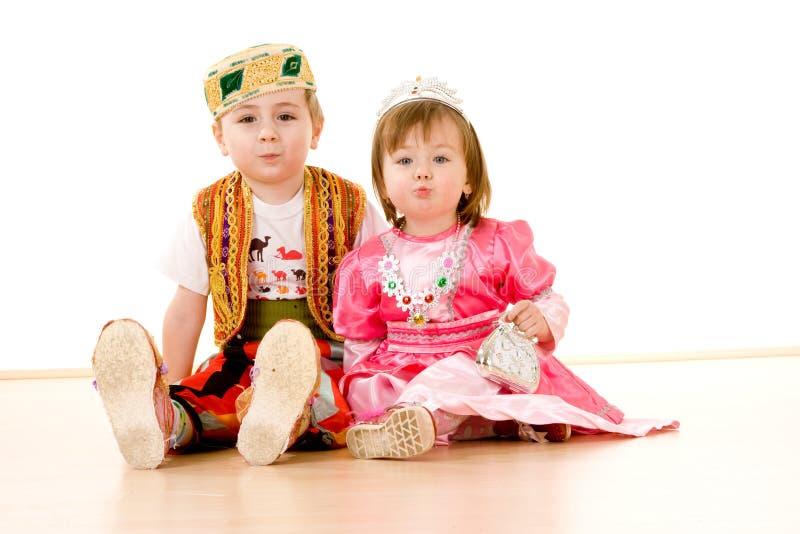 Bambini in vestito operato fotografia stock libera da diritti