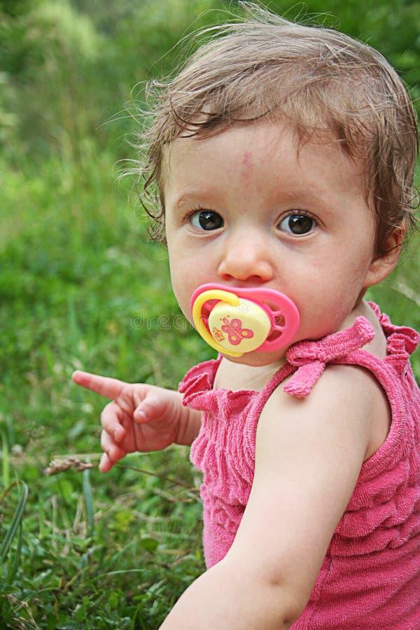Download Bambino fotografia stock. Immagine di sole, occhi, estate - 7321210