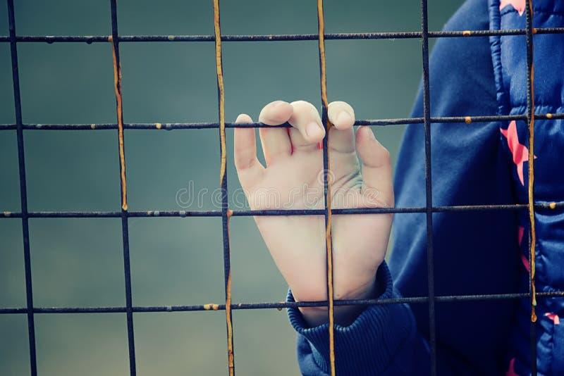 Bambino abbandonato, bambini senza genitori fotografia stock libera da diritti