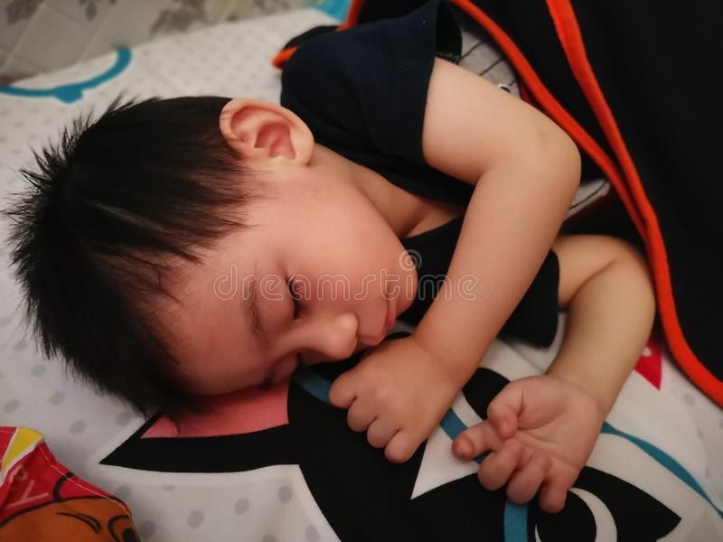 Bambino addormentato fotografie stock libere da diritti