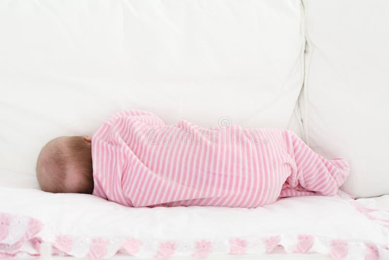 Bambino addormentato immagine stock