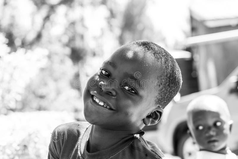 Bambino africano sorridente fotografia stock libera da diritti