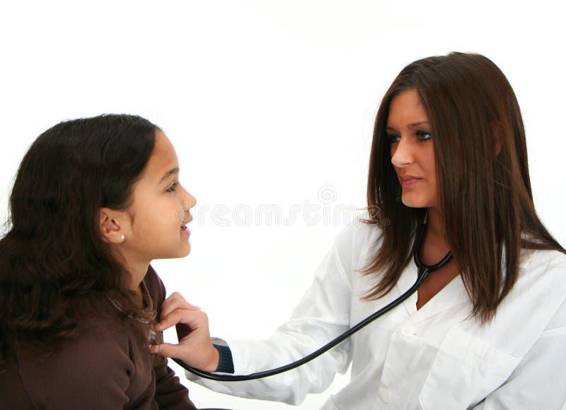 Bambino al medico fotografia stock libera da diritti