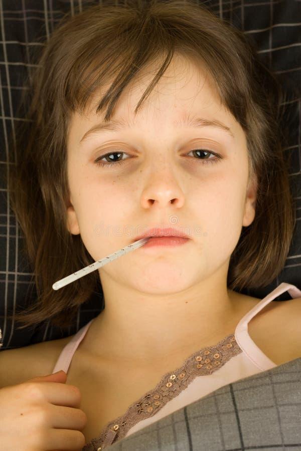 Bambino ammalato fotografie stock libere da diritti