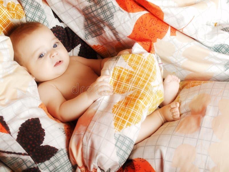 Bambino in base fotografia stock libera da diritti