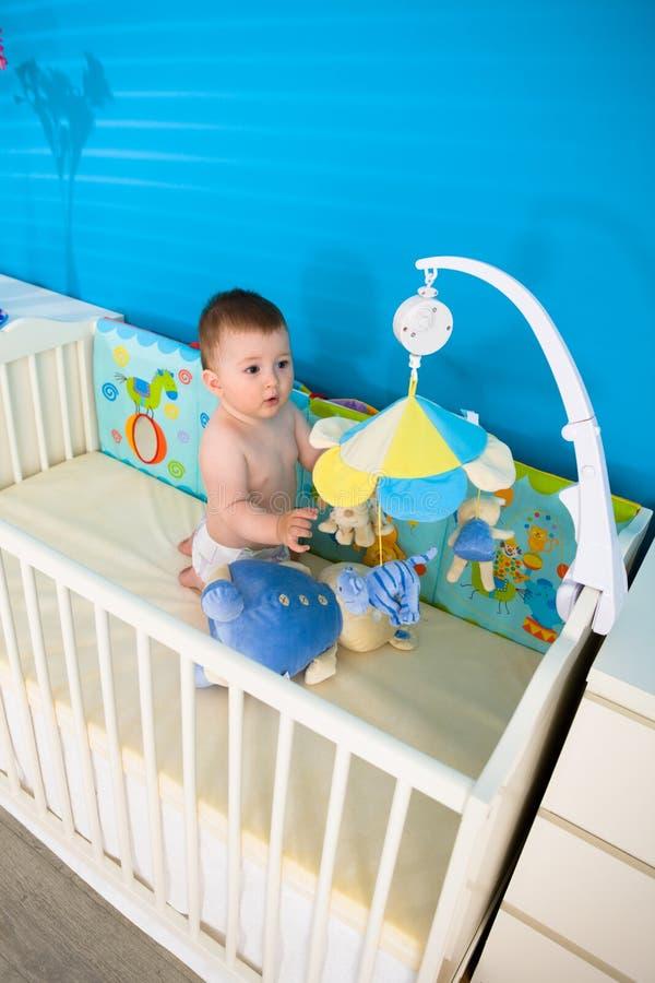 Bambino in base fotografie stock