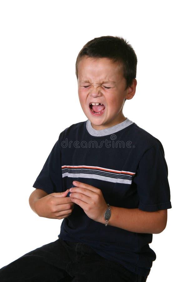 Bambino che controlla le glicemie fotografie stock libere da diritti