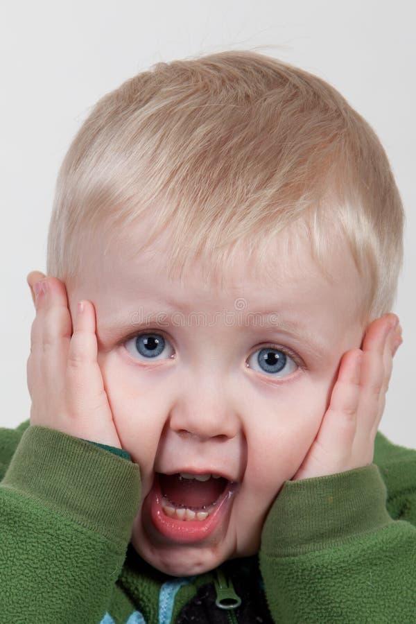 Bambino che grida immagini stock