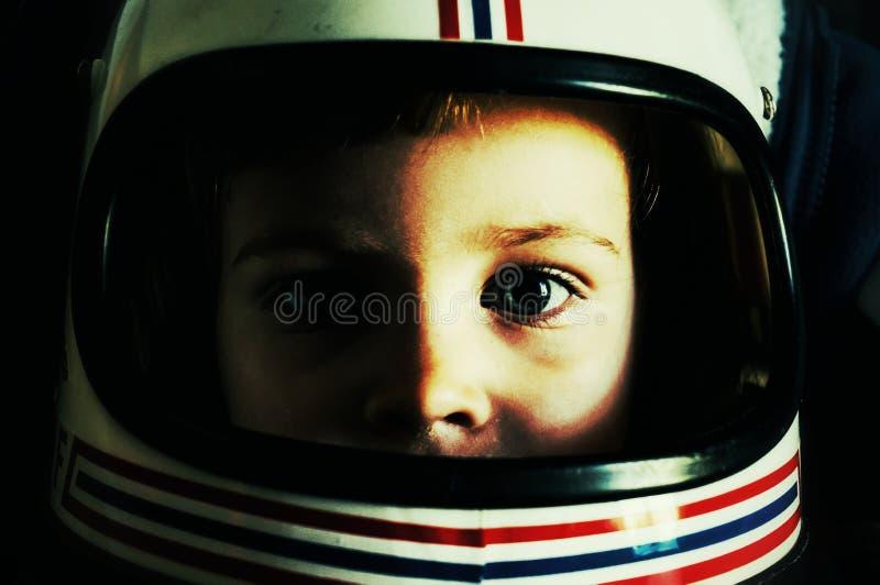 Bambino con il casco fotografia stock