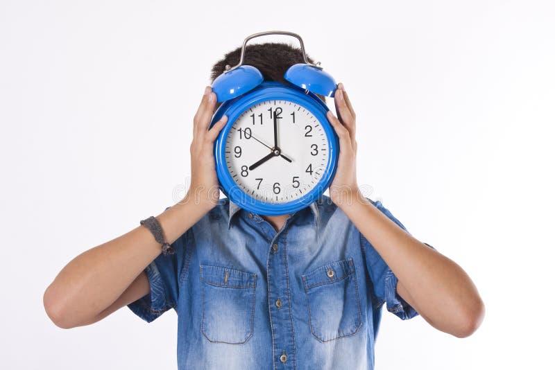 Bambino con l'orologio fotografie stock libere da diritti