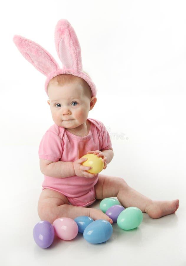 Bambino del coniglietto di pasqua