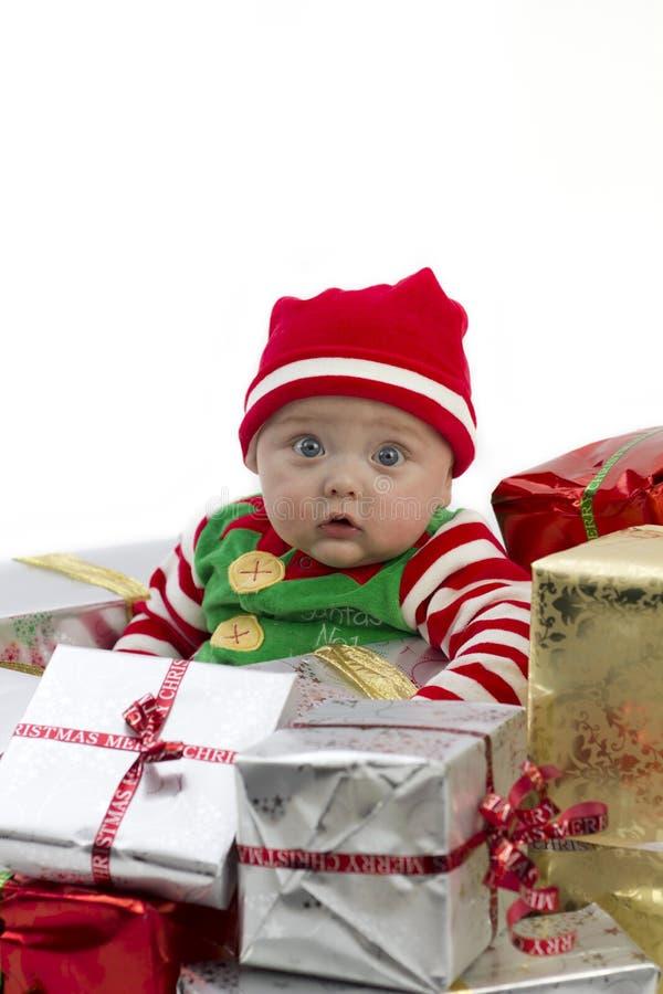 Bambino del regalo di Natale fotografia stock libera da diritti