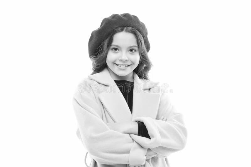 bambino della bambina in berretto francese Modo della sorgente Il giorno dei bambini Stile di autunno della Francia Felicit? di i immagine stock