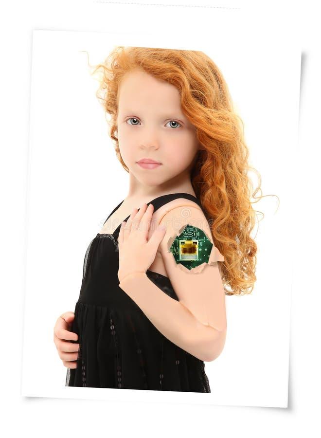Bambino di Cybrog con la crepa in braccio che mostra circuito fotografia stock