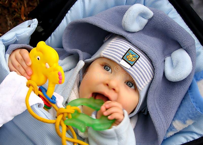 Bambino di dentizione fotografia stock libera da diritti