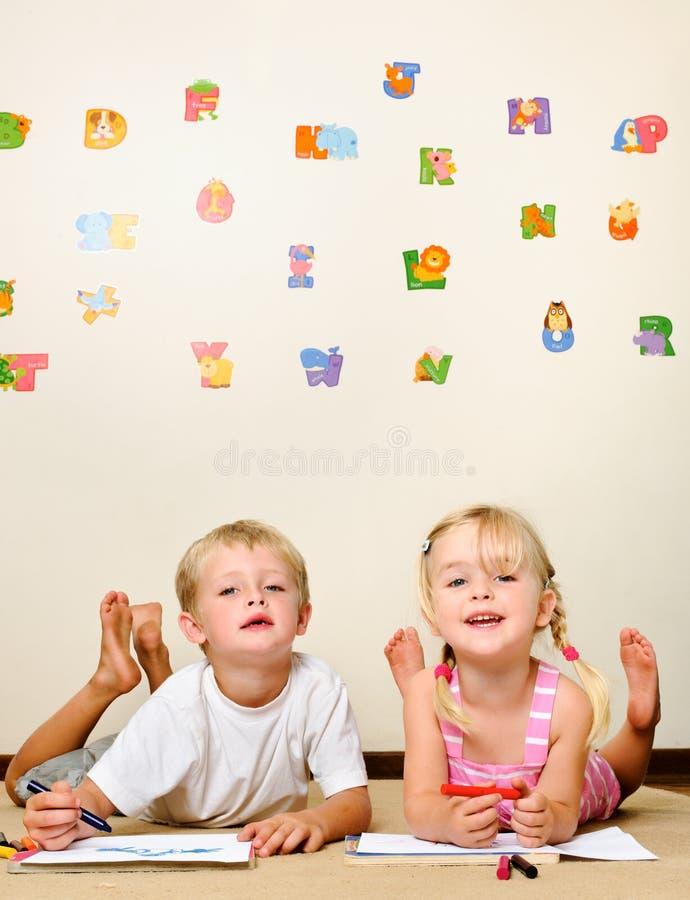 Bambino di divertimento di Playschool immagine stock libera da diritti
