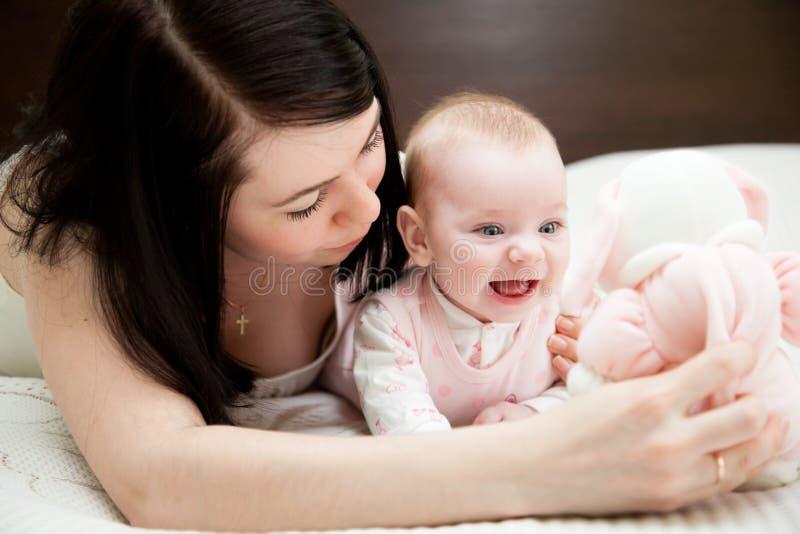 Bambino e madre fotografia stock