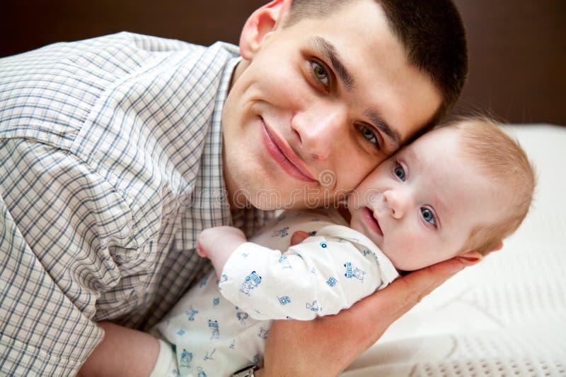 Bambino e padre immagine stock libera da diritti