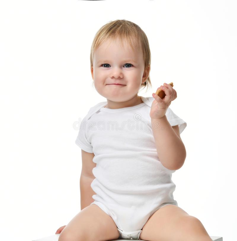 Bambino infantile del neonato del bambino che si siede in camicia di polo fotografie stock libere da diritti