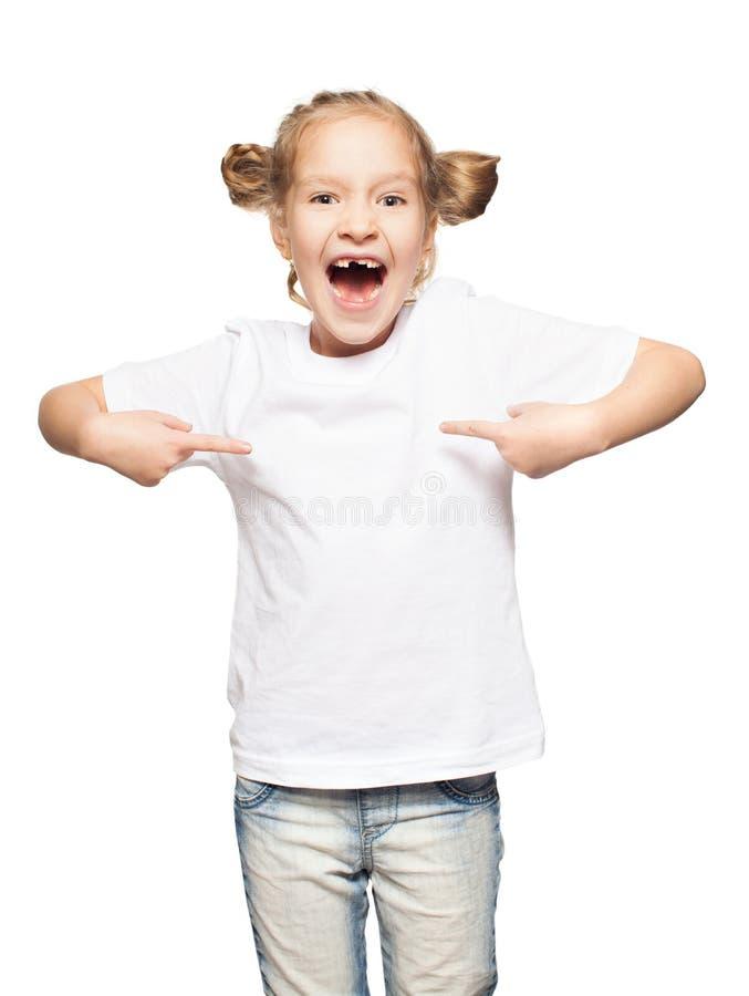 Bambino in maglietta bianca immagine stock