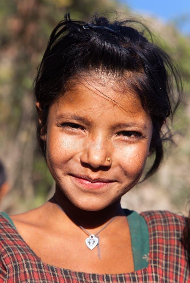Bambino nepalese, testa della ragazza, nel Nepal occidentale fotografia stock