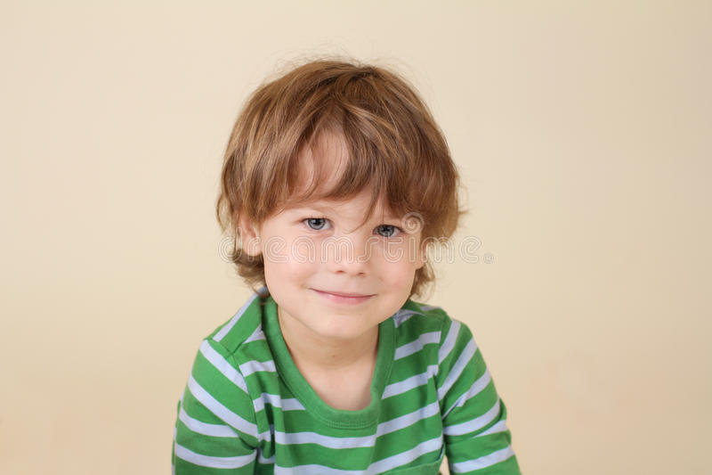 Bambino sorridente caucasico, modo fotografia stock libera da diritti