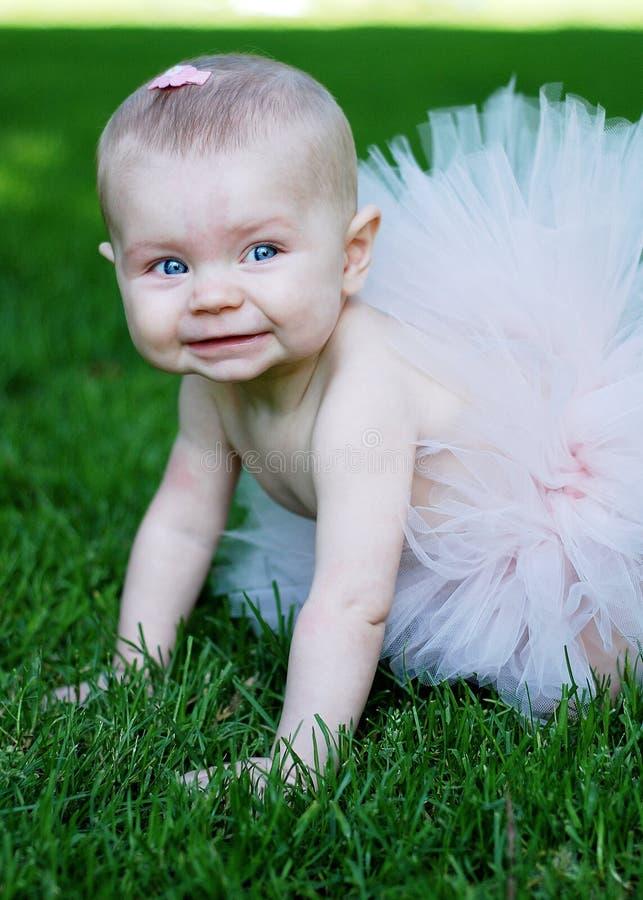 Bambino sorridente - verticale fotografia stock libera da diritti