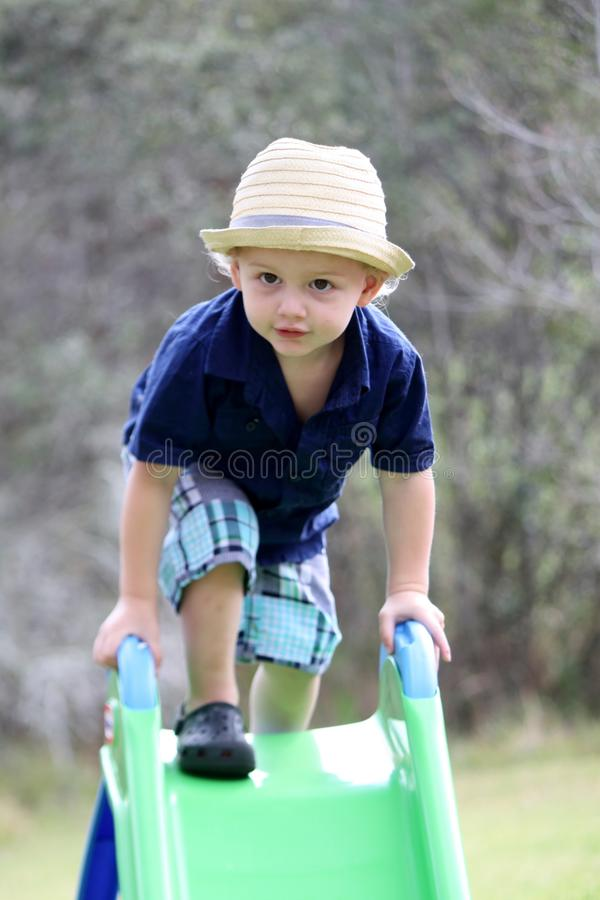 Bambino sulla trasparenza immagini stock