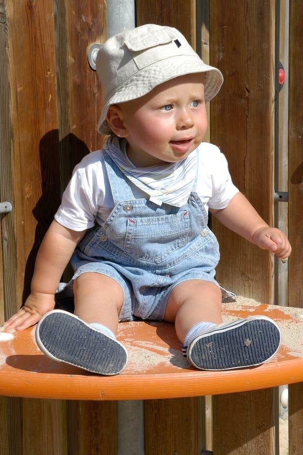 Download Bambino sveglio immagine stock. Immagine di aperto, sorriso - 220121