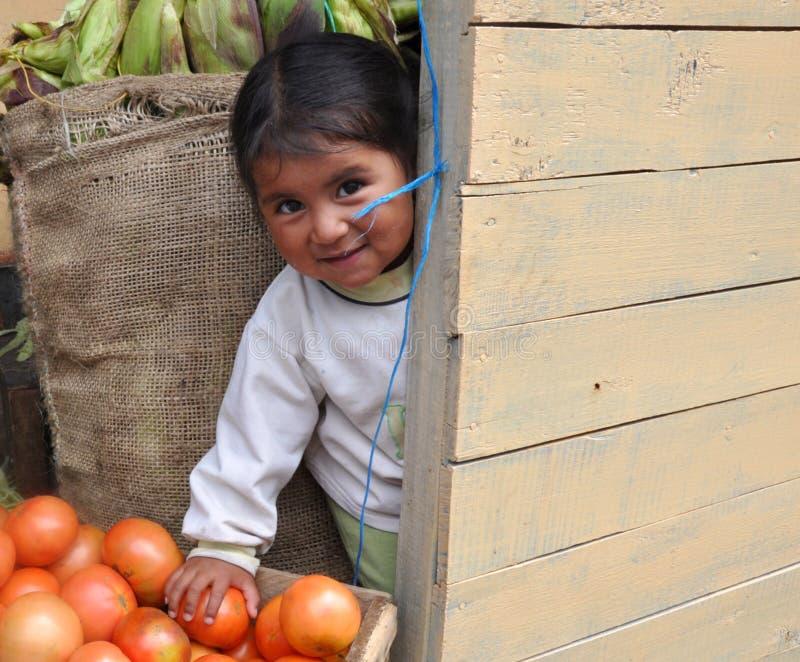Bambino timido del Ecuadorian immagini stock libere da diritti