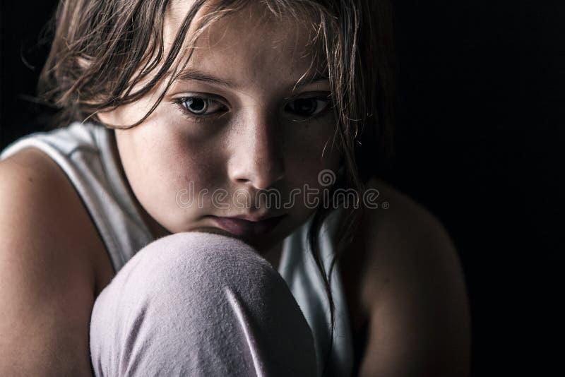 Bambino triste fotografia stock libera da diritti