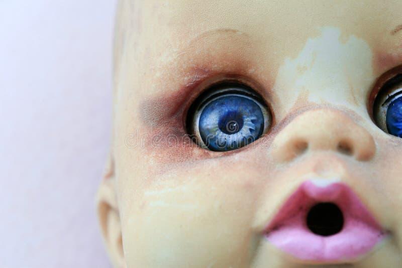 Bambola con gli occhi azzurri immagini stock libere da diritti