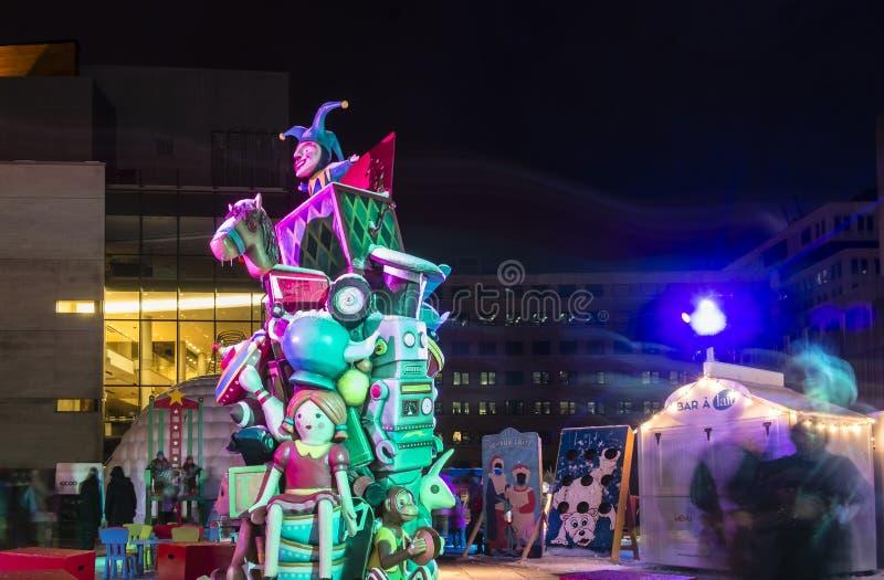 Bambola e robot di Luminotherapy fotografia stock libera da diritti