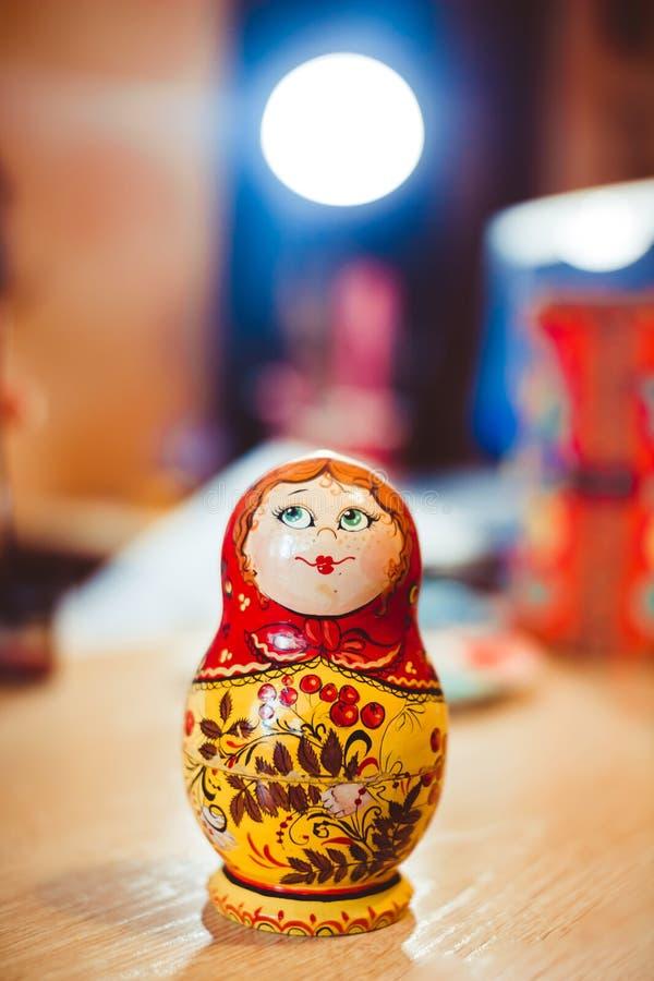 Bambola russa di incastramento fotografie stock