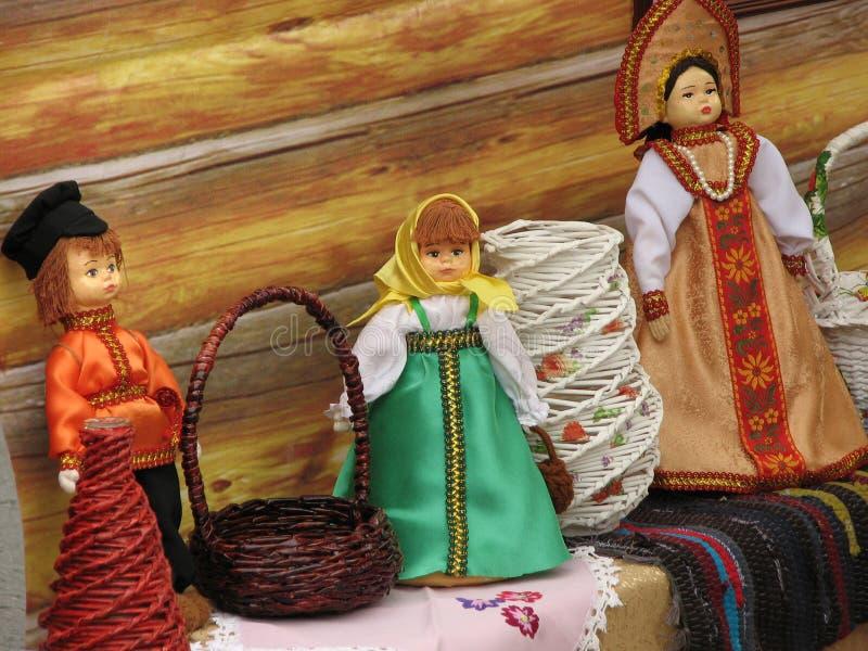Bambole in costumi nazionali russi immagine stock libera da diritti